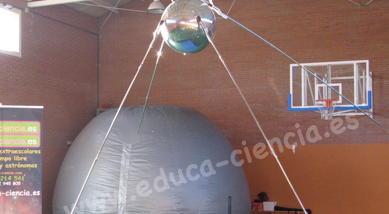 Planetario y Sputnik