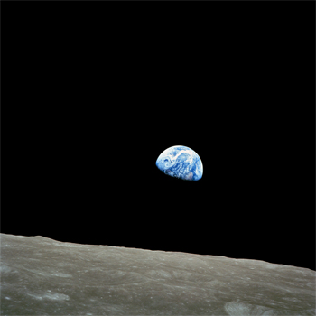 la Tierra vista desde la órbita de la Luna